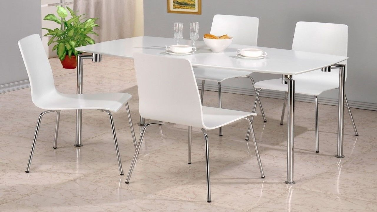 White High Gloss Dining Table And 4 Chairs Homegenies