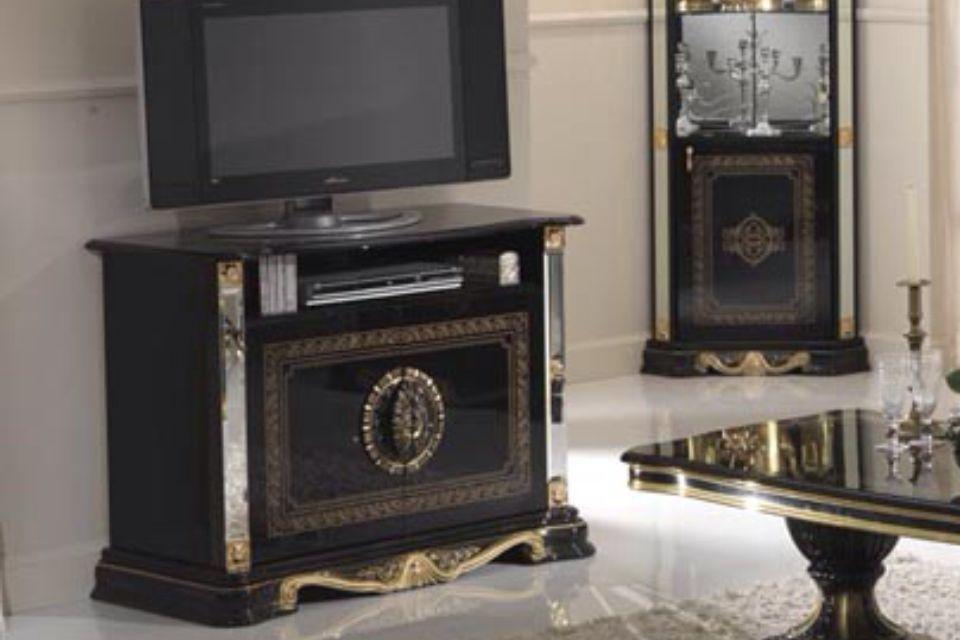 Gold black italian high gloss dining table chairs for Italian high gloss furniture