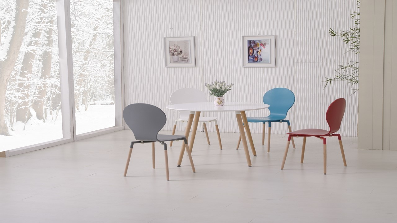 Round wooden white dining table and 4 mixed coloured chairs for White round dining table set