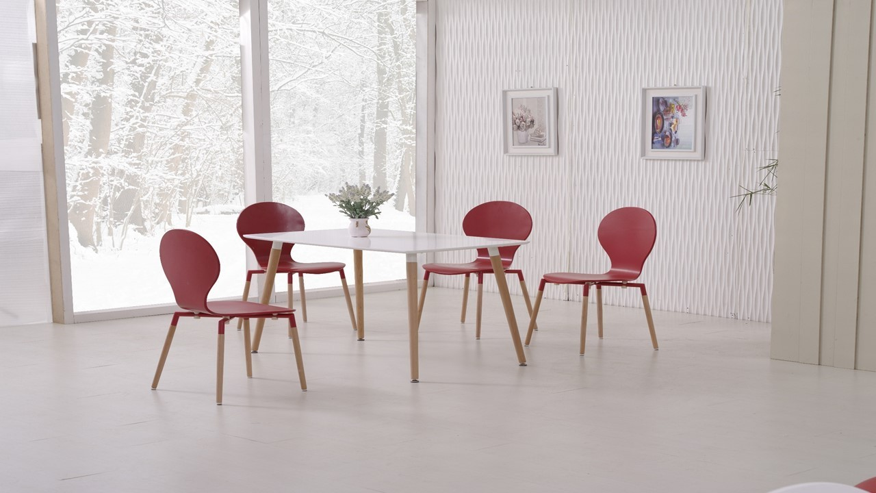 White dining table and red chairs homegenies for Red dining table