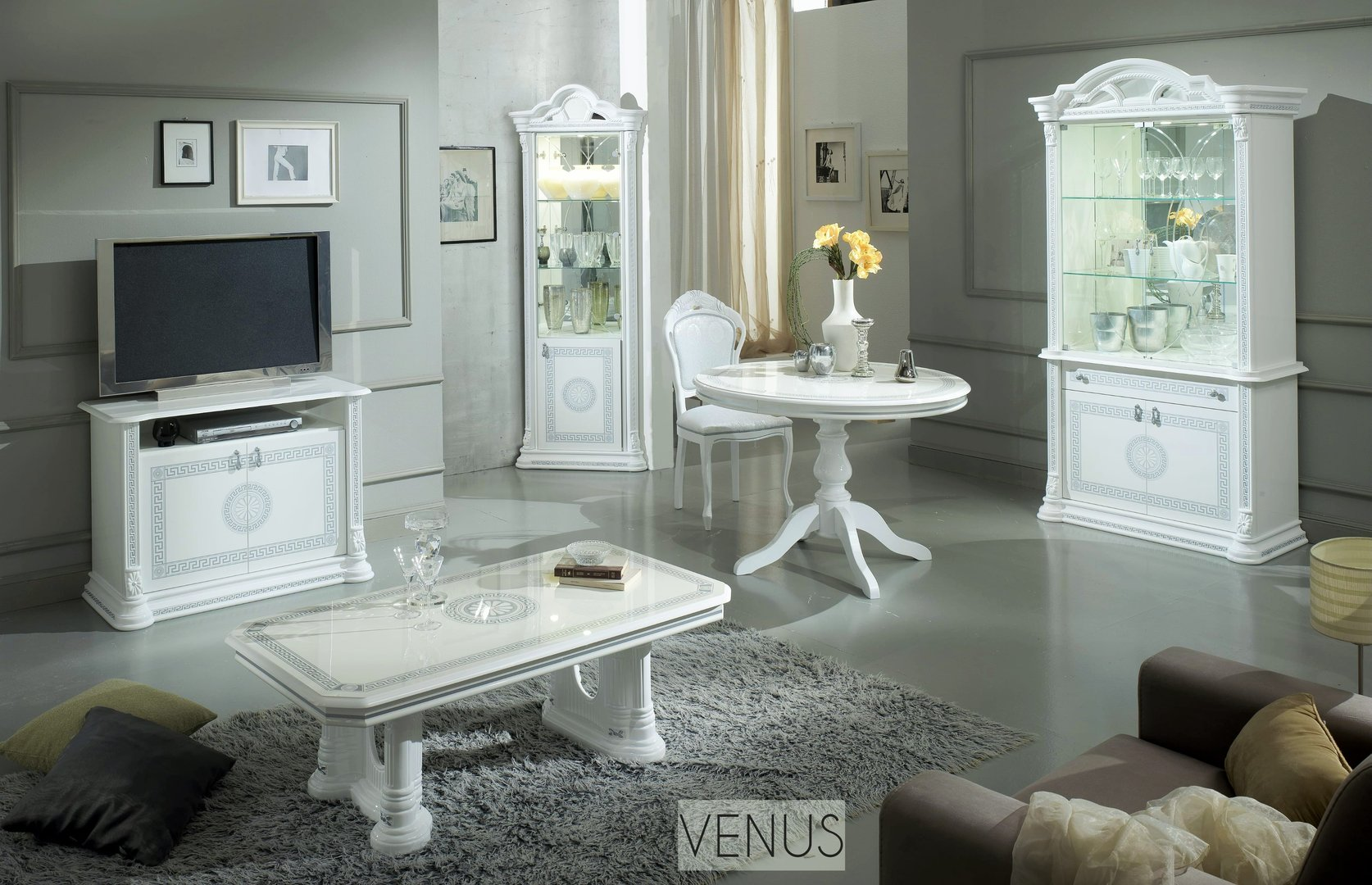 White Italian High Gloss Dining Table And Chairs