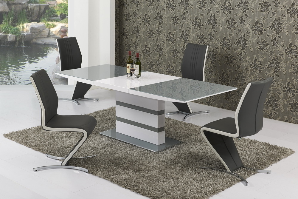Small extending grey glass high gloss dining table and 6 for Small dining table for 6