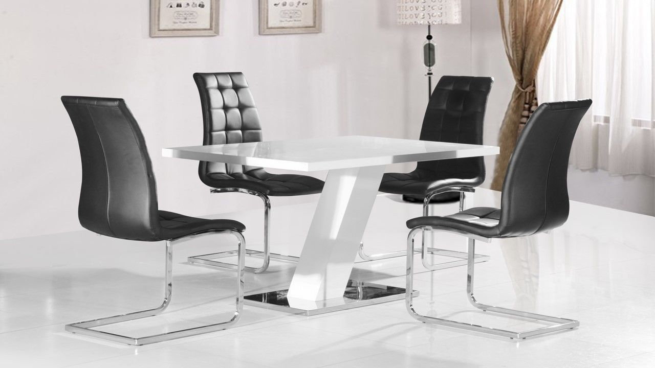 White high gloss dining table and 4 black chairs homegenies for White high gloss dining table