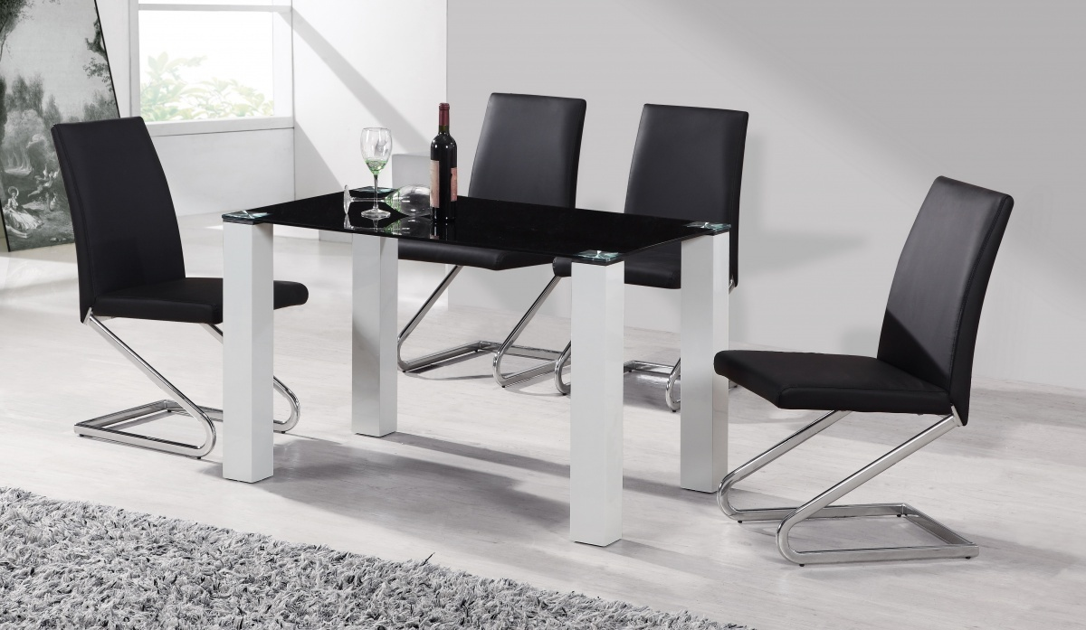 Black glass white high gloss dining table 4 chairs for Black dining sets with 4 chairs