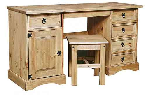 Pine Bedroom Dressing Tables and Storeage trunks