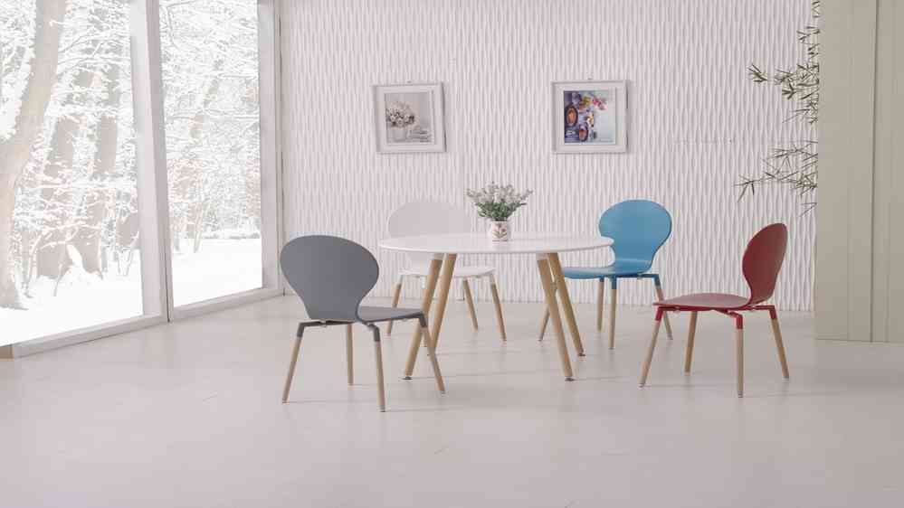f4b9d0855859 Round Wooden White Dining Table and 4 Mixed Coloured Chairs