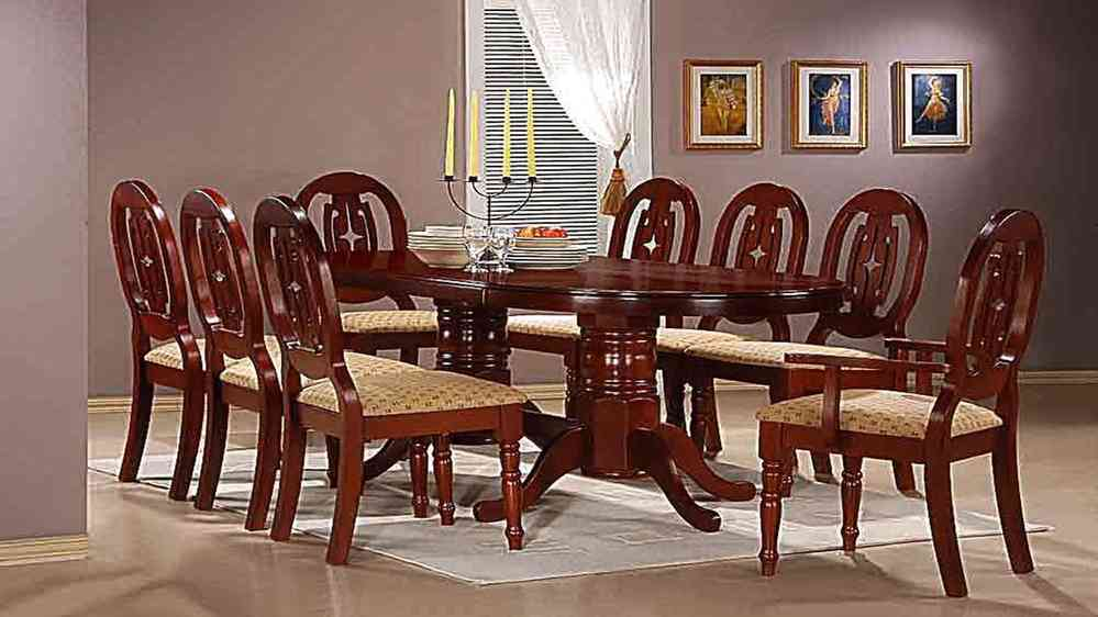 Mahogany Dining Table With 6 Chairs And 2 Carvers