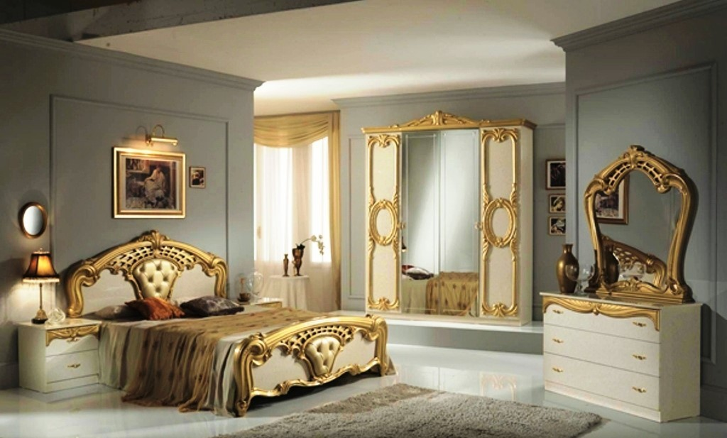 Italian Furniture Stores: High Gloss Beige & Gold Italian Bedroom Furniture